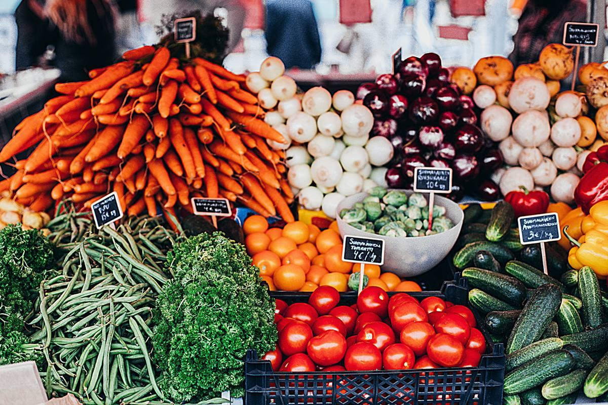carrots-crate-food-1508666