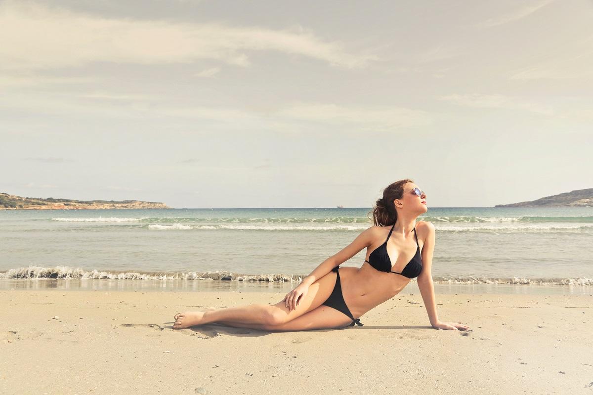 beach-bikini-caucasian-825776